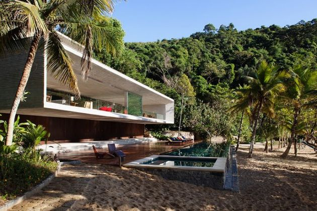 Brazil's richest built illegal homes in nature reserves
